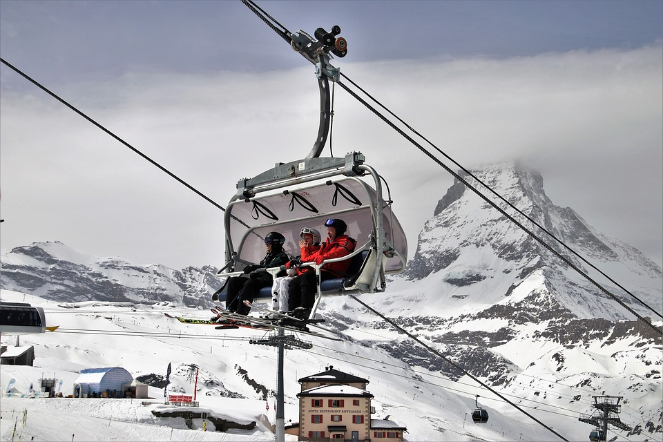 How to get off a ski lift